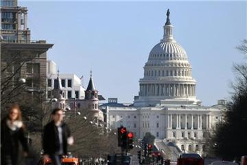 美国政府非核心部门20日凌晨开始关门