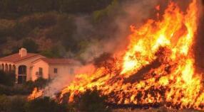 空气污染严重 美加州山火对旧金山中国城影响大