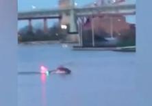 纽约直升机坠河事故致5名乘客身亡 飞行员幸存