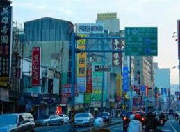 民调显示:逾三分之二台湾民众不满意台当局领导人施政表现