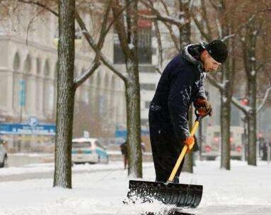 芝加哥遭遇暴风雪 上千航班被取消